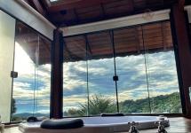 Banheira Hidro com teto solar